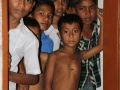 kids-bangladesh-spying-on-american-visitor